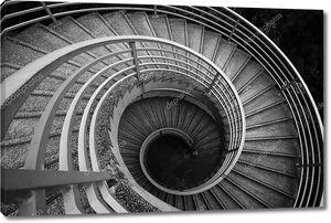 Спиральная лестница, черно-белый