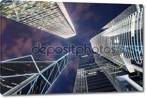 Гонконгские небоскребы вид снизу