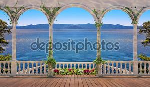 Терраса с балюстрадой, с видом на море и горы