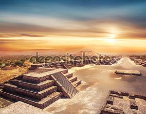 Аллея мертвых, Мексика