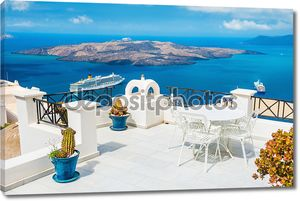 Белая терраса с видом на море
