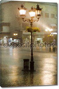 изображение старого уличные фонари в дождь