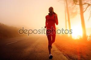 бегущая женщина