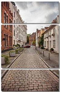 Городские сцены в историческом Старом городе Любек, Германия