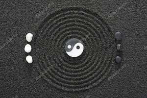 Черный песок и Инь Янь