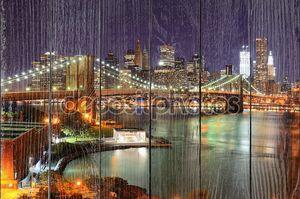 Вид города Нью-Йорк Сити и Бруклинский мост