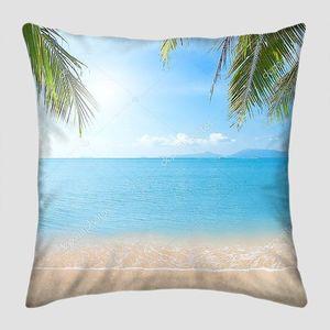 Пляж с кокосовыми пальмами