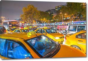 Такси по улицам города. В Стамбуле