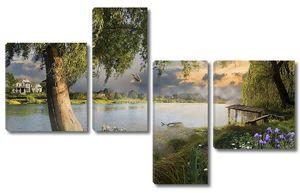 Деревья и цветы на берегу озера