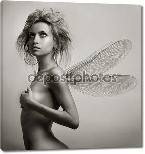 Девочка с крыльями.