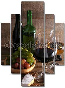 Красивый натюрморт с бокалом вина