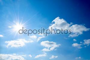 Небо и  яркое солнце
