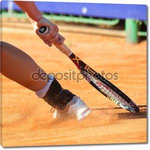 Бухарест, Румыния - 19 июля: деталь ноги игрока в теннис