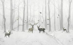 Лес и олени в тумане
