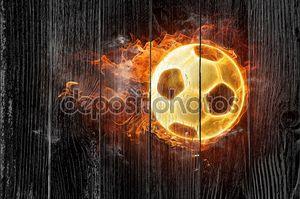 Пламенный футбольный мяч