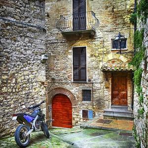 Дворик в старой Италии