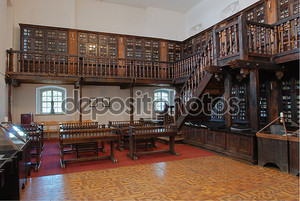 Интерьер старой библиотеки