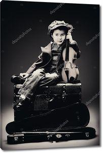 Маленький мальчик со скрипкой