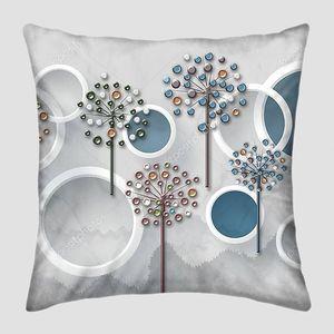 Серый мраморный фон, белые кольца,  стеклянные цветы