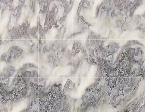 Неровный серый камень