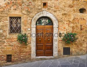 Старый дом дверь, Пиенца, Тоскана, Италия
