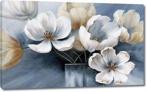 Живописные цветы вазочке