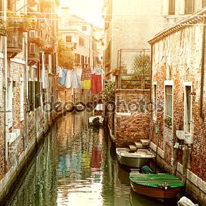 Канал в Венеции, Италия
