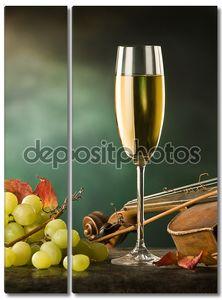 Натюрморт с вином и скрипкой