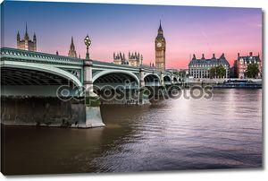 Биг-Бен, королева elizabeth башня и мост wesminster освещен