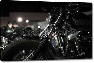 Черно-белое фото мотоцикла