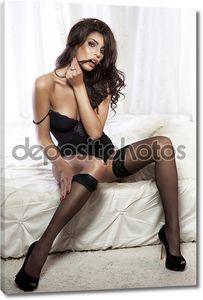 Сексуальная модель дамского белья.
