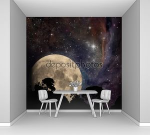 Луна на фантастическом пейзаже