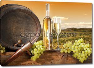 Натюрморт с ствол и виноградник
