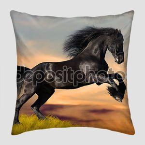 галоп черной лошади