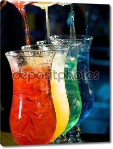 красочный коктейль