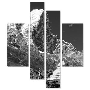 Черный и белый вид Tabuche пик и ступа на пути в базовый лагерь Эвереста