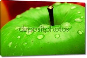 Свежего зеленого яблока Макро фото