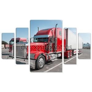 Красный нам грузовик с хромированные детали