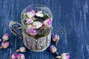 tea with rose buds