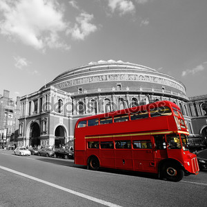 Лондон Routemaster автобус мимо Королевский Альберт-холл