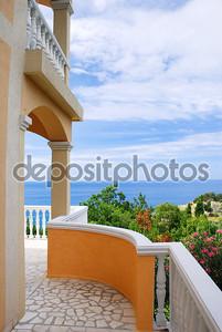 Терраса с видом на море.