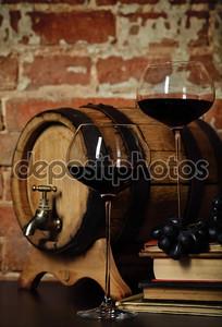 Ретро Натюрморт с красным вином