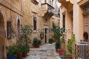 улица в Старом городе средиземноморской