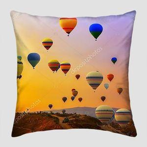 Воздушные шары над долиной