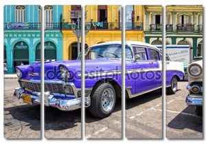 Классические chevrolet на стоянке в старой Гаване