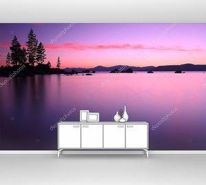 Озеро во время розового заката
