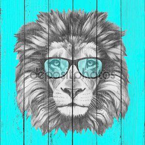 Портрет Льва с очки