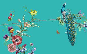 Павлин на ветке с цветами