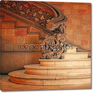 Старые лестницы