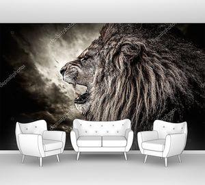 Рычащий лев в профиль
